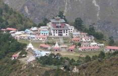 Tengbuche Monastery at 3860m